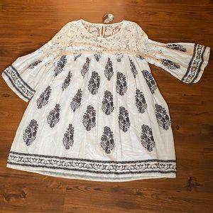 Like new- Entro peasant style dress